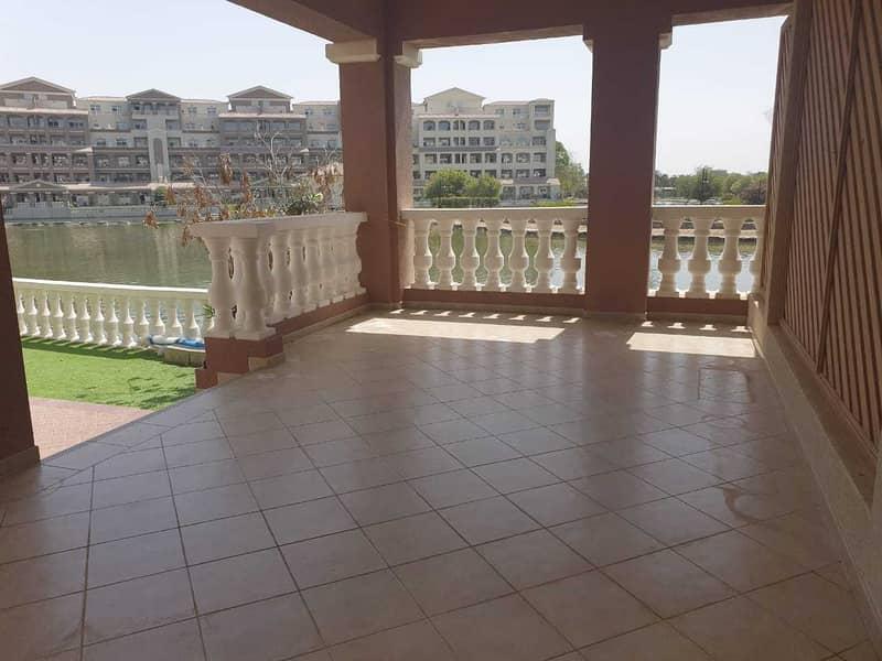 2 Exclusive / Lake View / Ground floor / Private Garden