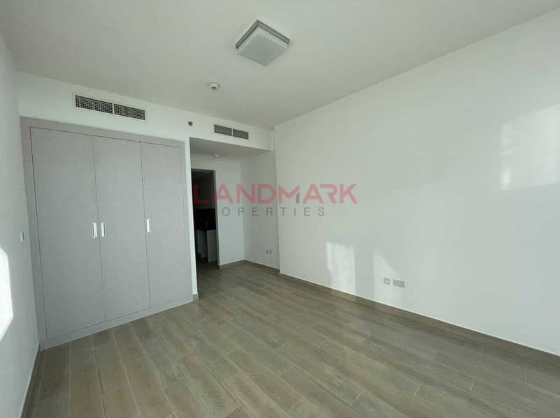Spacious Studio l Brand New l Ready To Move In l Skyline View