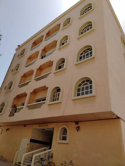 Floor for Sale in Al Rumaila, Ajman - For sale a ground and 4-storey building in Al Rumaila area, the third piece of Ajman Corniche, in a very excellent location, as we have other buildings according to the buyer's request