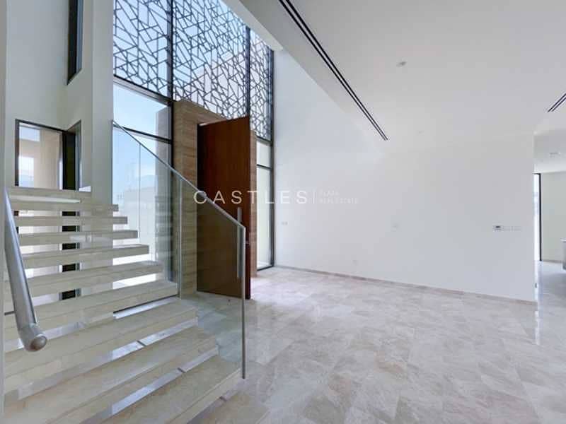 23 Spacious - Contemporary Style Villa - 6 bed+maids