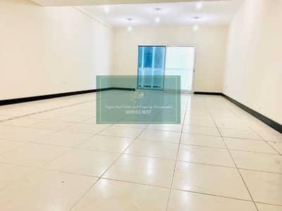 شقة 2 غرفة نوم للايجار في منطقة الكورنيش، أبوظبي - awe-Inspiring  View! 2 Bad Room +Maids Room