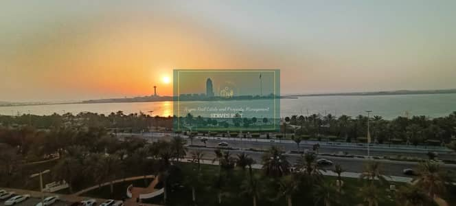 شقة 4 غرف نوم للايجار في الخالدية، أبوظبي - Spacious 4 Bhk   Maids   Balcony with Partial Sea View