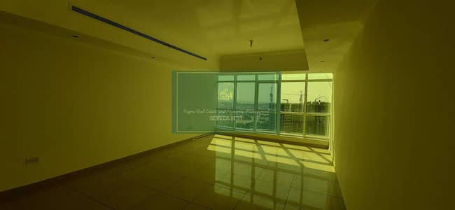 2 Bedroom Flat for Rent in Danet Abu Dhabi, Abu Dhabi - Huge! 2 Beds with Balcony in Danet