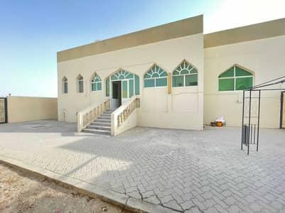 3 Bedroom Villa for Rent in Shakhbout City (Khalifa City B), Abu Dhabi - Private 2 Bedroom Hall Majlis wd Massive Yard