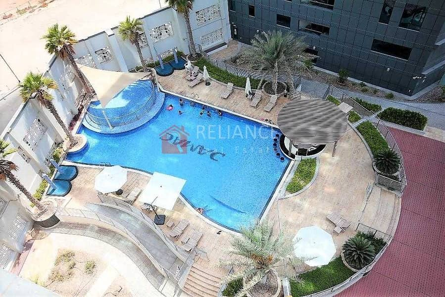 13 Luxurious Furnished 1 Bedroom 1.5 Bath - Pool View