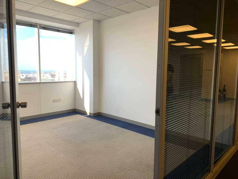 Fully Fitted Office  ! Easy Access to Metro ! No commission
