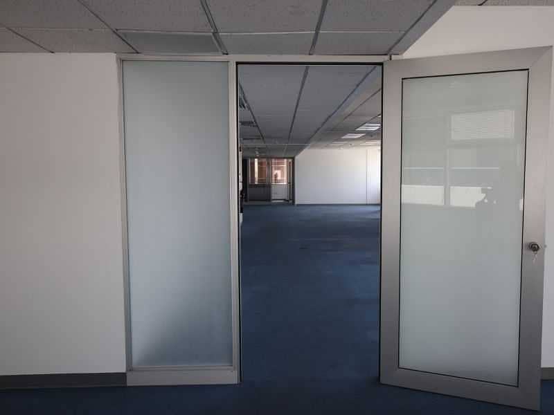 Large size Fitted Office !! No commision ! Chiller free