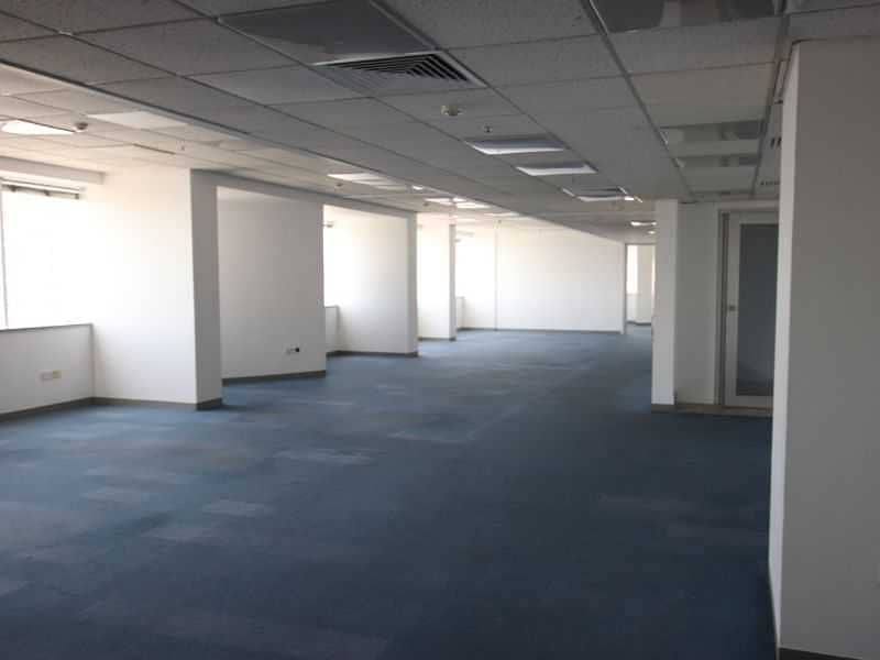 2 Large size Fitted Office !! No commision ! Chiller free