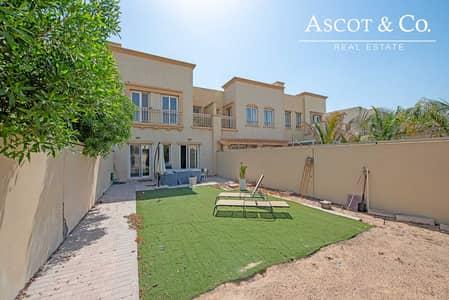فیلا 2 غرفة نوم للبيع في الينابيع، دبي - Vacant on Transfer |Near Lake|View today