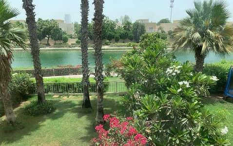 فیلا 3 غرف نوم للايجار في الينابيع، دبي - Full Lake View  3 Bed 3M Great Condition