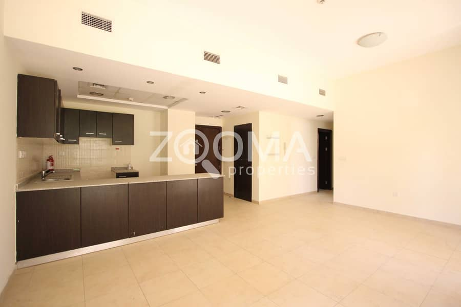 2 Hot Deal | Spacious 2 Bed | community view