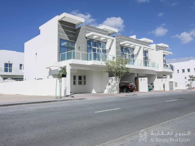Modern Design 3-Bedroom Townhouse in JVT for Sale