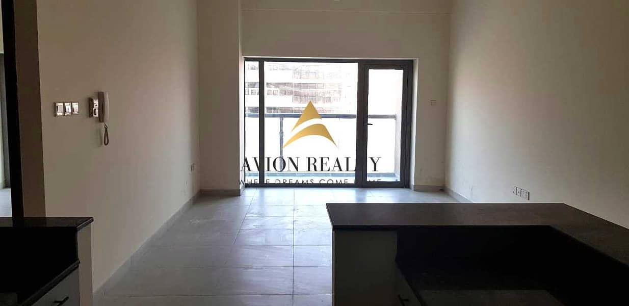 EXCLUSIVE | Massive 1BR + Store | Highly Maintained | Rented - Dubailand