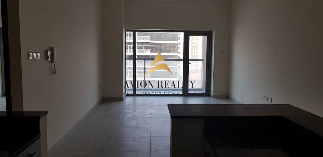 2 EXCLUSIVE | Massive 1BR + Store | Highly Maintained | Rented - Dubailand