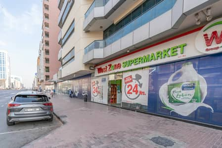 Shop for Rent in Bur Dubai, Dubai - Shop Available for rent in Al  Raffa l 0% Commission l Direct From Landlord!