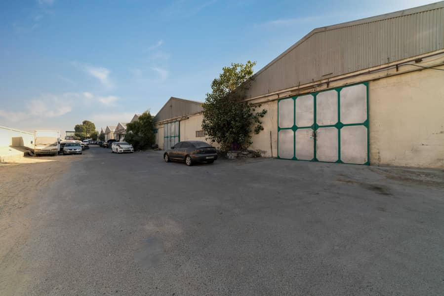 Spacious Warehouse Direct From Landlord Um ramool