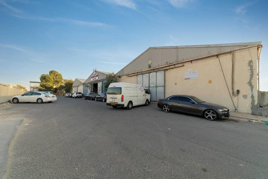 12 Spacious Warehouse Direct From Landlord Um ramool