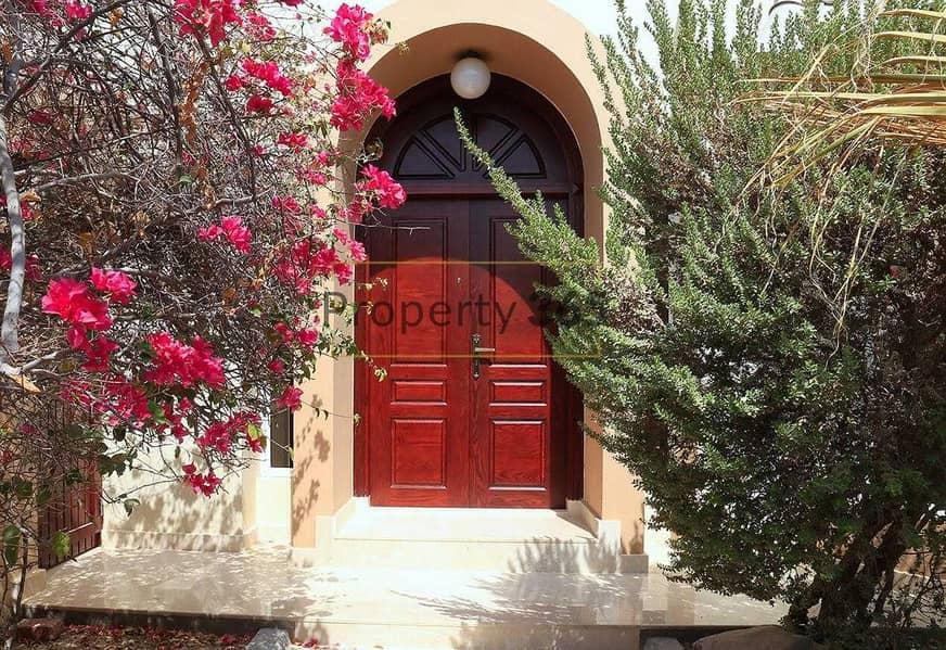 Bright Compound Villa / 3 Bedrooms / Private Garden
