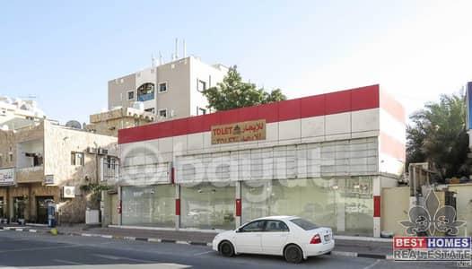 فيلا تجارية  للبيع في النعيمية، عجمان - فيلا 5 غرف نوم مع محلات تجارية للبيع | على الطريق العام