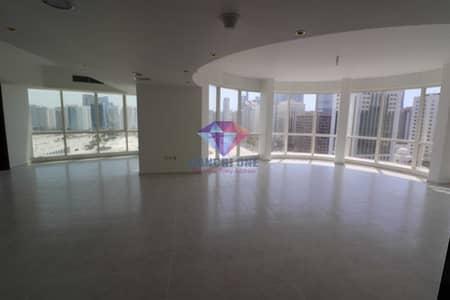 فلیٹ 3 غرف نوم للايجار في شارع المطار، أبوظبي - Modern Design Grand Spacious 3BR+Maids room