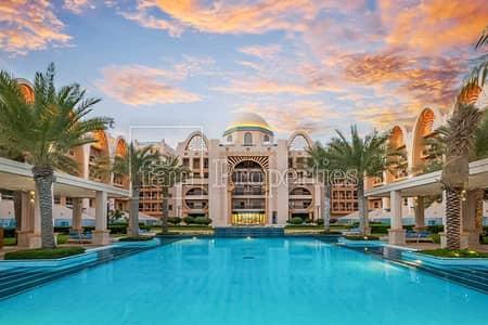 3 Bedroom Flat for Rent in Palm Jumeirah, Dubai - Unwinding Sea Views | 3B+M | Deluxe Interiors | 8 PAX | Palm Jumeirah