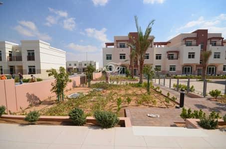 شقة 2 غرفة نوم للايجار في الغدیر، أبوظبي - Spacious and Elegant Two Bedroom Apartment