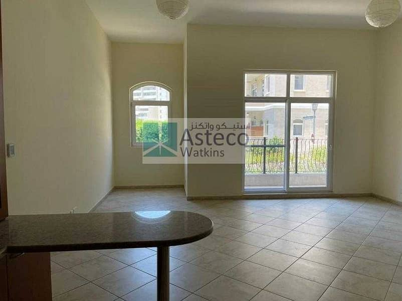 Well Maintained Huge Studio In Motor City