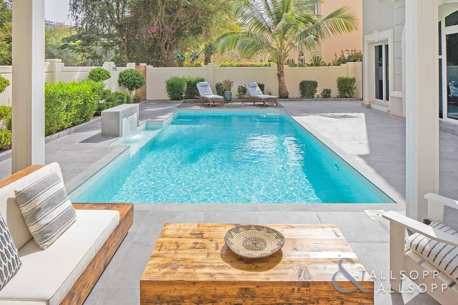 2 Stunning 5 Bed C2 | Pool | Park Backing