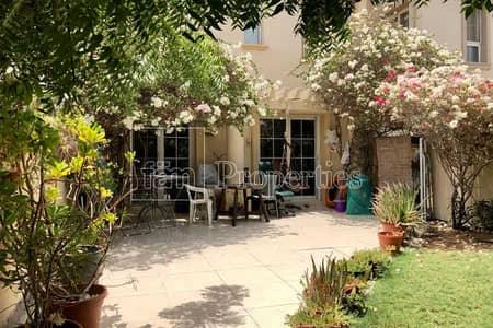 فیلا 2 غرفة نوم للبيع في الينابيع، دبي - Genuine - Cosy home - Beautifully Landscaped
