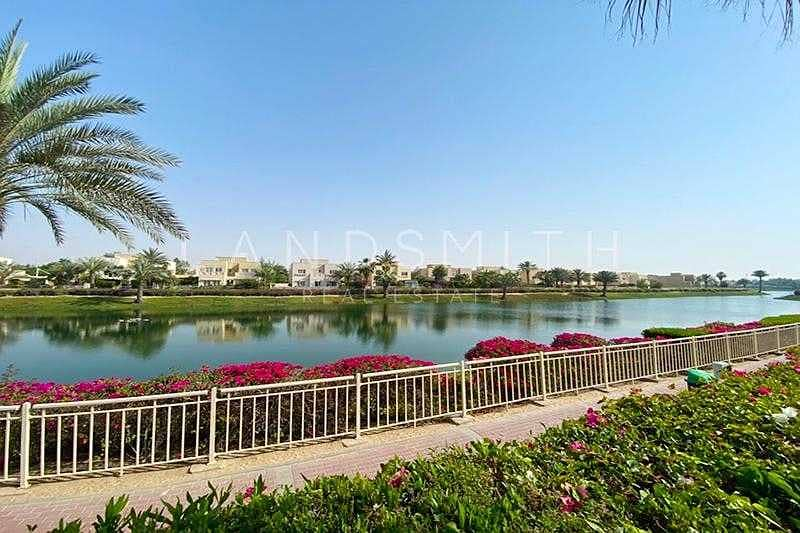27 Full Lake view Upgraded 4BR Hattan E2 Villa