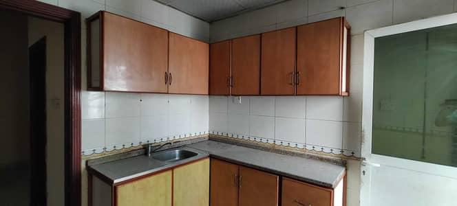 شقة 1 غرفة نوم للايجار في النباعة، الشارقة - غرفة نوم وصالة لمدة شهر مجاني مع حمامين مع بلكونة في النبع 17 ألف اتصل بـ M. Hanif