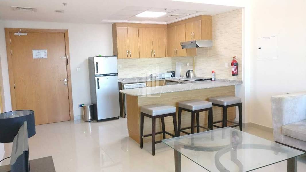Fully Furnished luxurious 1 bed in suburbia