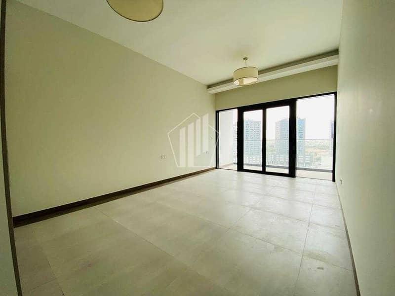 2 High End Studio/ Huge Balcony / Sol Bay