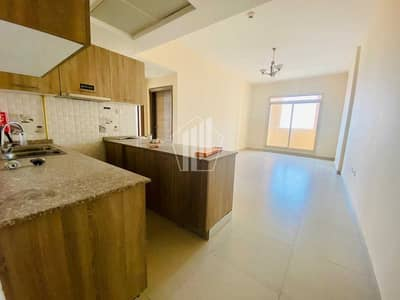2 Bedroom Apartment for Rent in Dubai Silicon Oasis, Dubai - 2 bed apartment with spacious balcony