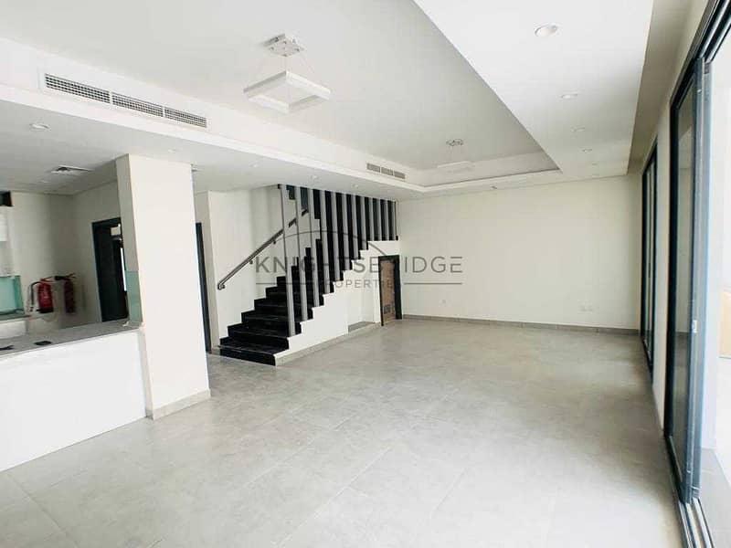 Best Deal in Town Corner Unit 4 Bedroom plus Maid