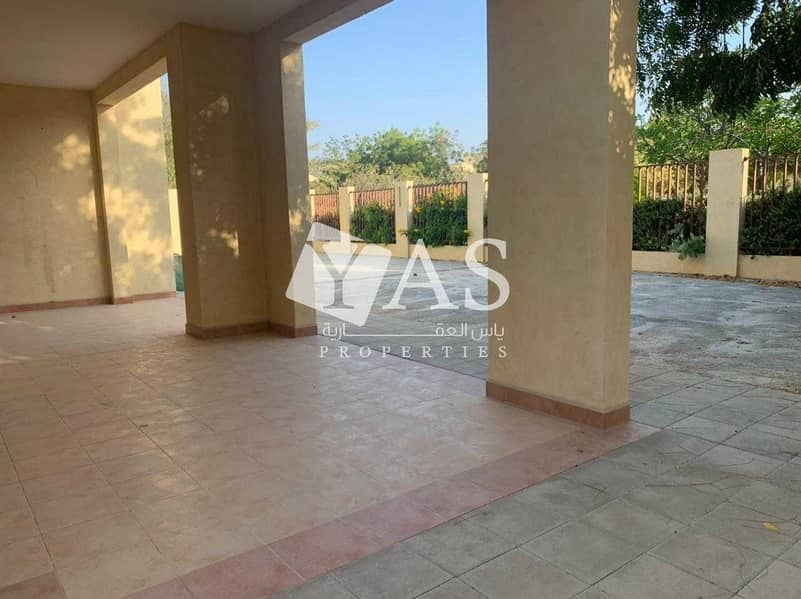 33 Incredible | 4 Br + Maid | Close to Beach