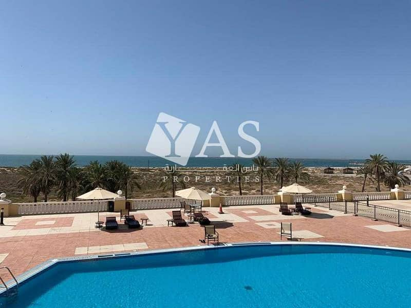 Beautiful Studio | Magnificent Sea and Pool View