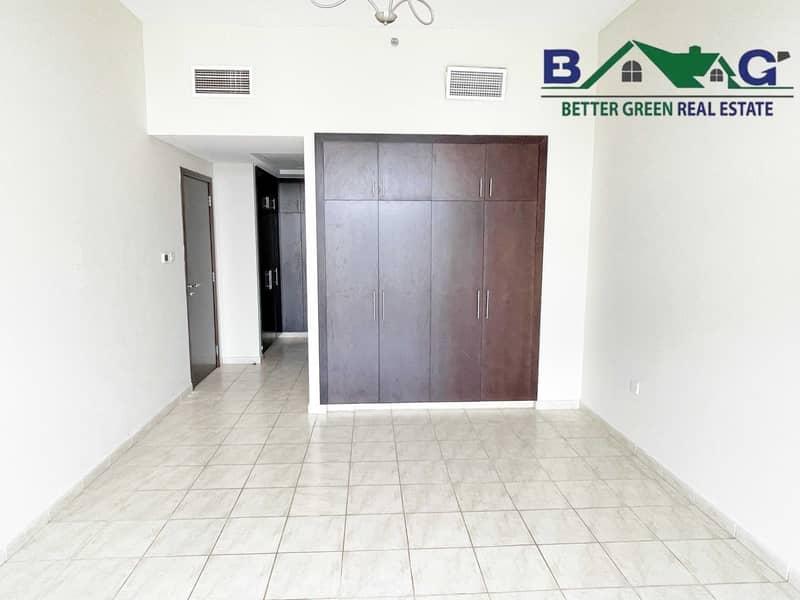 Huge 1 Bedroom with Balcony High floor Vacant Near Metro