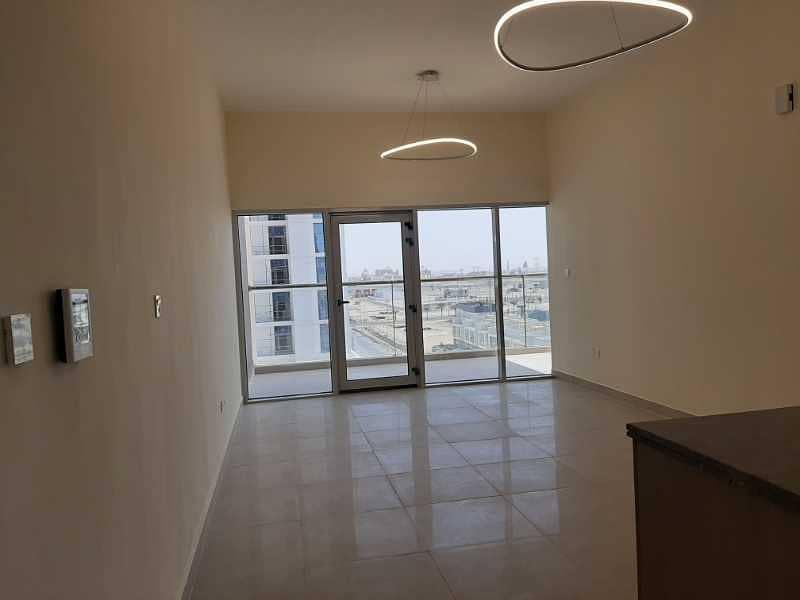 شقة في سامية عزيزي الفرجان 1 غرف 55000 درهم - 4588139
