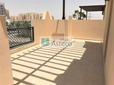 2 Bedroom Flat for Sale in Remraam, Dubai - Balcony and Terrace | Inner Circle | Park View