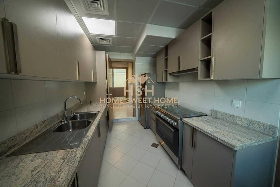 11 2 kitchens + maid Room