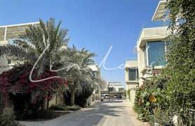 فیلا في المدينة المستدامة 3 غرف 3200000 درهم - 5169710