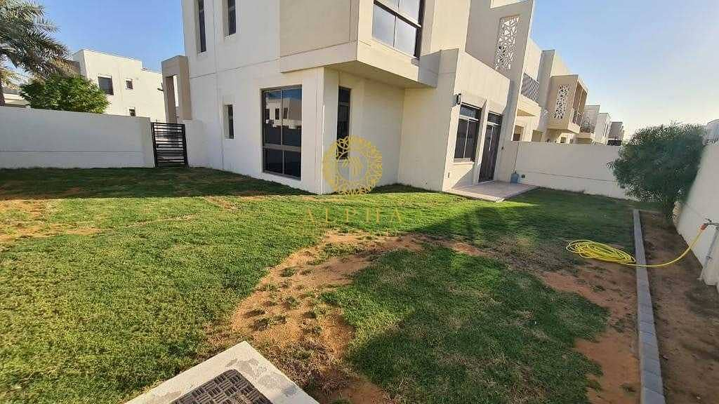 19 4 Bedroom + Maids | Landscaped | Close to Pool and Park