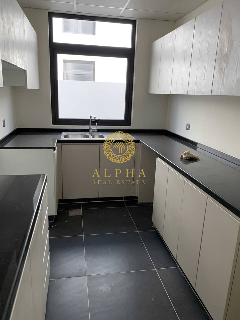 2 Amazing brand new 3bed+maid in Claret for 1.15M