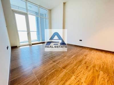 شقة 2 غرفة نوم للايجار في شارع ليوا، أبوظبي - Modern ! Balcony ! Maid RM ! Facilities Parking !!
