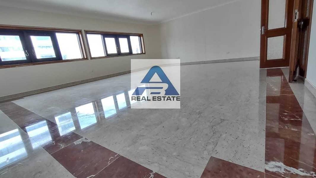 Large Renovated 04 bedrooms on Hamdan Street