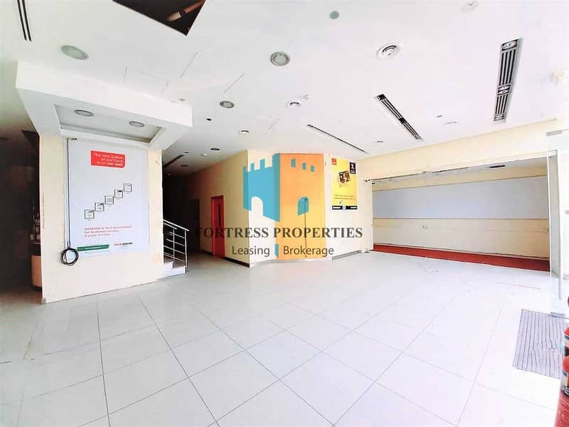 Corner Showroom   Prime Location in Corniche   GF + Mezz   6