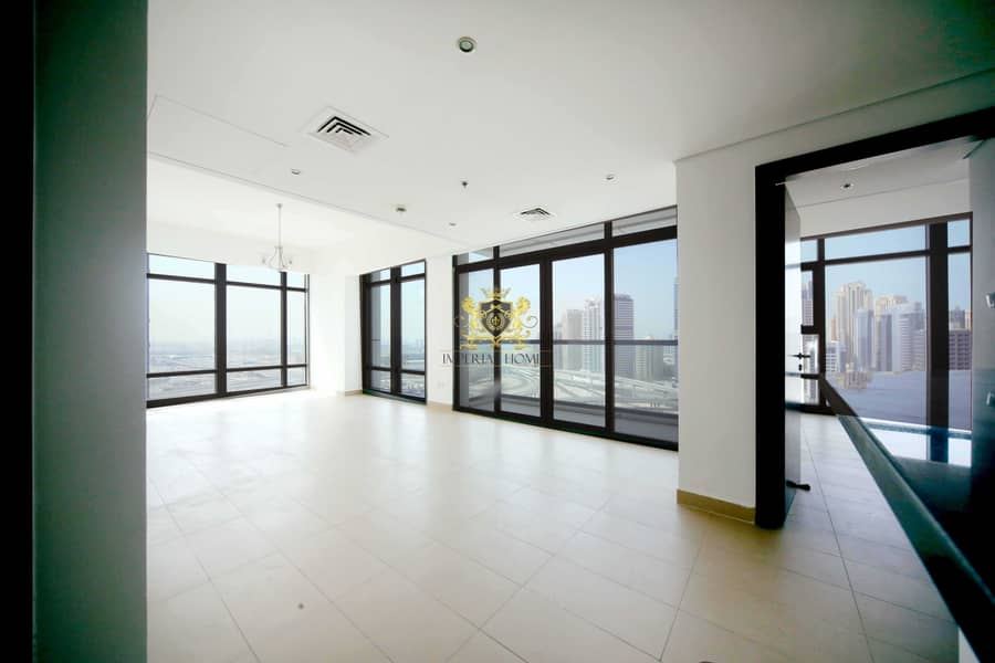 Hot Deal 2 Bed   Stunning View   Balcony   Parking