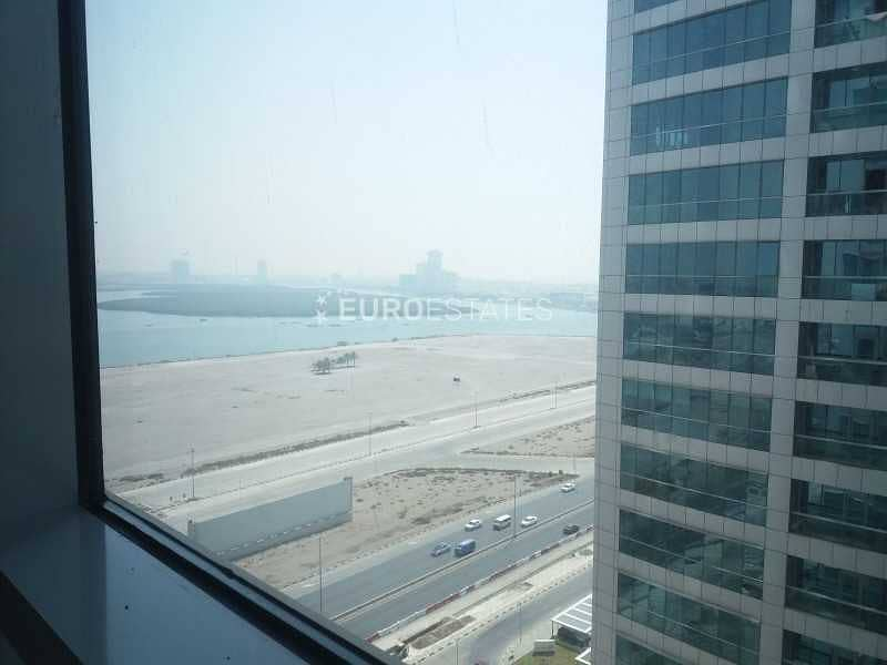 2 Partly Furnished   Spacious Office in Prime Loc.