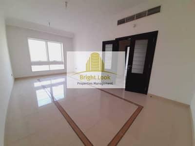 شقة 1 غرفة نوم للايجار في شارع الفلاح، أبوظبي - Brand New 1 BHK with Balcony & Parking | 45